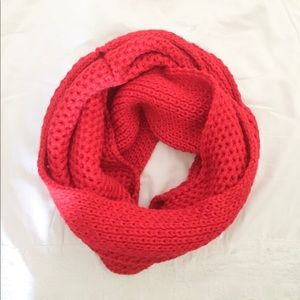 Gap knit scarf